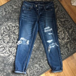 Size 4 to girl jean. American eagle. Worn once!